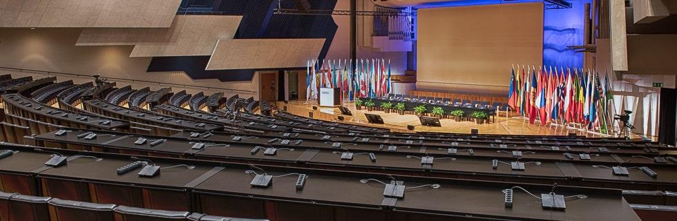 Kongressimikrofonit ETYJ-kokouksessa 2015.